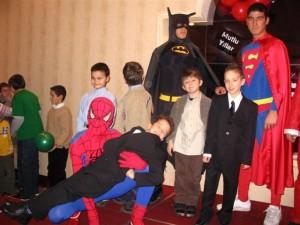 batman kostümü, süperman kostümü, kostümlü karakter kiralama, örümcek adam kostümü, sinderella kostümü, kedi kadın kostümü,